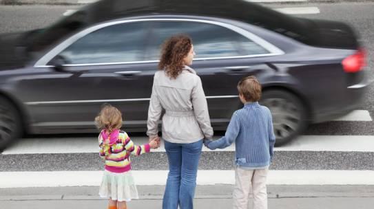 Vozači ovo su vaše obaveze prema pešacima