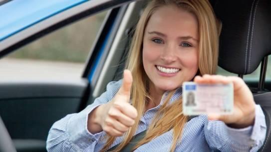 ZBOG ČEGA JE OBUKA U AUTO ŠKOLI VREDNA INVESTICIJA?