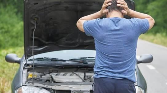LOŠE NAVIKE I POTEZI KOJI MOGU UNIŠTITI VAŠ AUTO – Auto škola Stop Line
